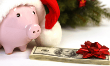 Save Money On Christmas Gifts (7 Easy Hacks)