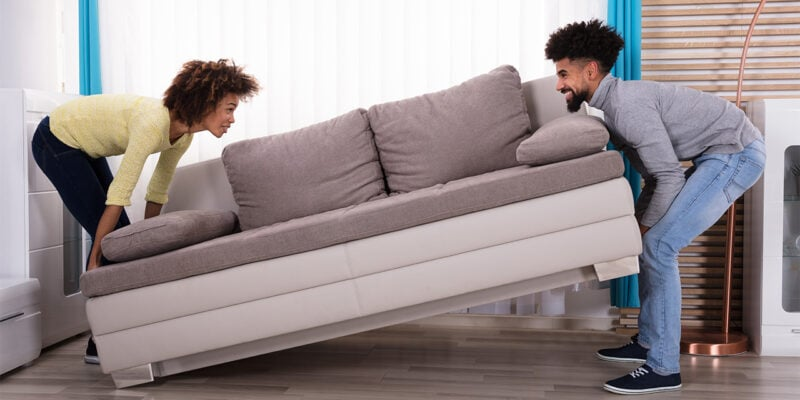 Sites Like Craigslist - couple moving furniture