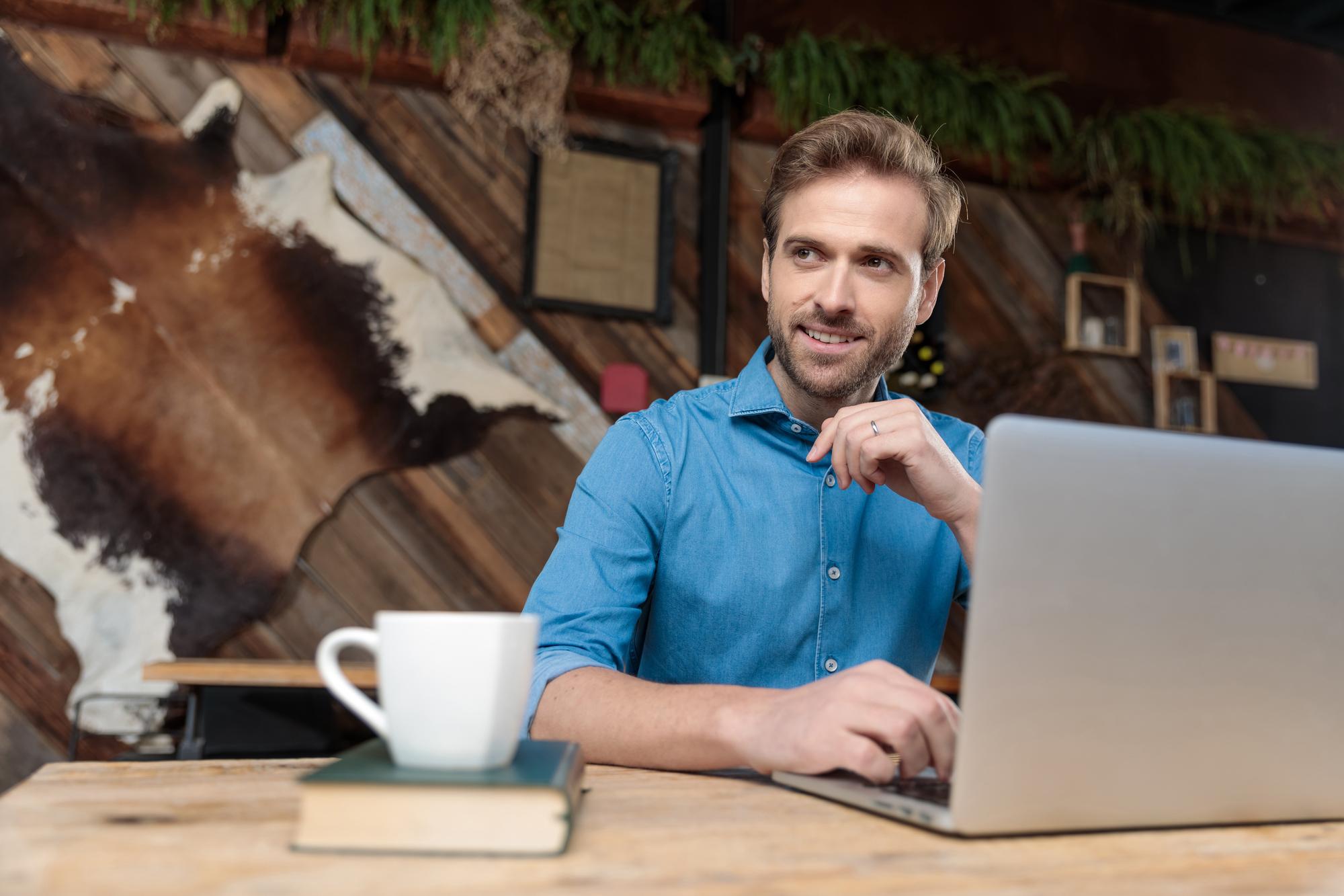 Emplois de rédaction indépendants avancés